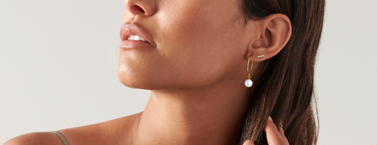 Movado Pearl Earring